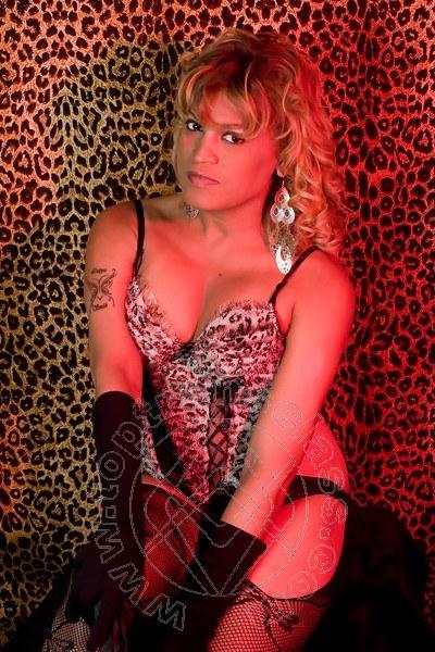 Carolina Smith  MATERA 3248333087